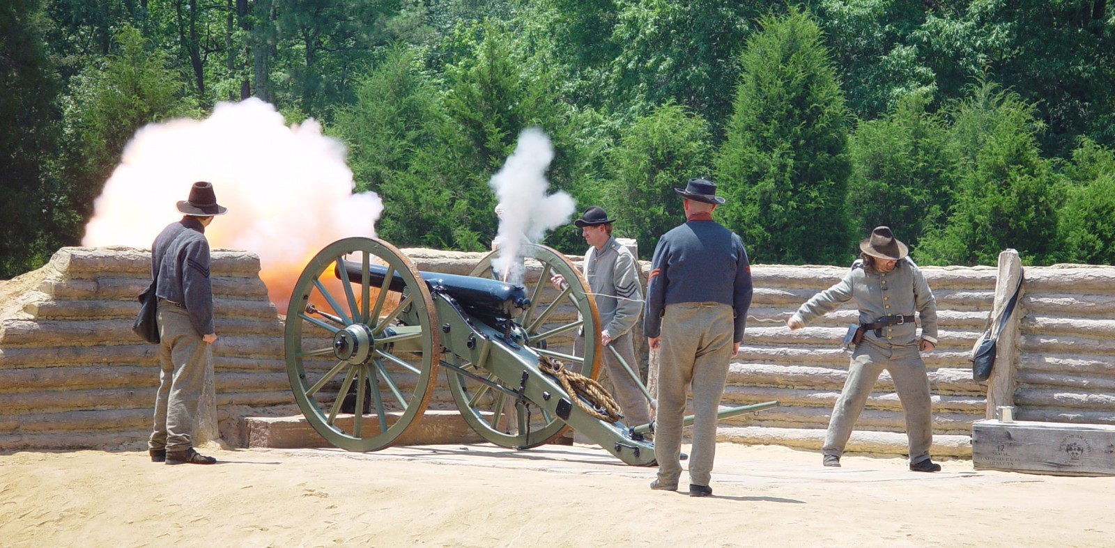 Fortifications Exhibit artillery demo